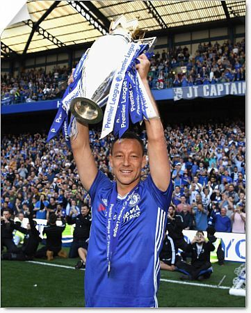 LONDON, ENGLAND - MAY 21: John Terry of Chelsea celebrates winning the league following the Premier League match between Chelsea and Sunderland at Stamford Bridge on May 21, 2017 in London, England