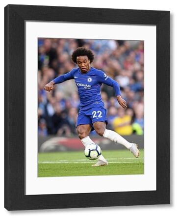 LONDON, ENGLAND - SEPTEMBER 29: Willian of Chelsea in action during the Premier League match between Chelsea FC and Liverpool FC at Stamford Bridge on September 29, 2018 in London, United Kingdom. (Photo by Darren Walsh/Chelsea FC via Getty Images)