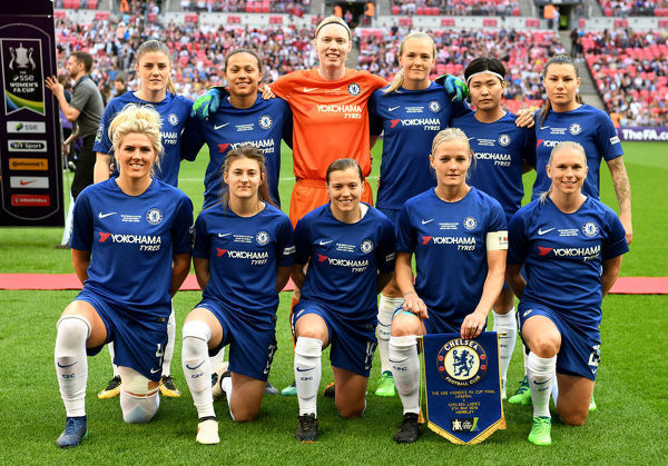 LONDON, ENGLAND - MAY 05: Chelsea team pose for a picture ahead of the SSE Women's FA Cup Final match between Arsenal Women and Chelsea Ladies at Wembley Stadium on May 5, 2018 in London, England. (Photo by Darren Walsh/Chelsea FC via Getty Images)