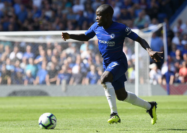 LONDON, ENGLAND - SEPTEMBER 01: N'golo Kante of Chelsea runs with the ball during the Premier League match between Chelsea FC and AFC Bournemouth at Stamford Bridge on September 1, 2018 in London, United Kingdom