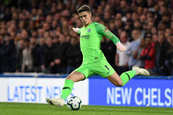 LONDON, ENGLAND - SEPTEMBER 29: Kepa Arrizabalaga of Chelsea kicks the ball during the Premier League match between Chelsea FC and Liverpool FC at Stamford Bridge on September 29, 2018 in London, United Kingdom