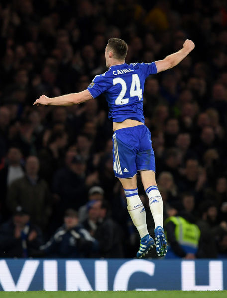 Chelsea's Gary Cahill celebrates scoring his side's first goal of the game