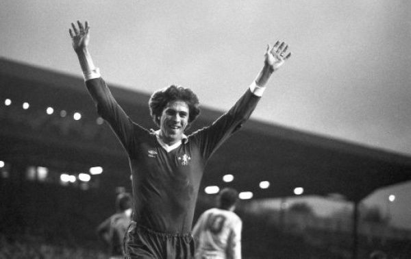 STAMFORD BRIDGE, LONDON, NOVEMBER 22ND 1980 : Chelsea 2 v Sheffield Wednesday 0. Chelsea player Colin Lee celebrates scoring. (Photo by Hugh Hastings/Chelsea FC ) Colin Lee