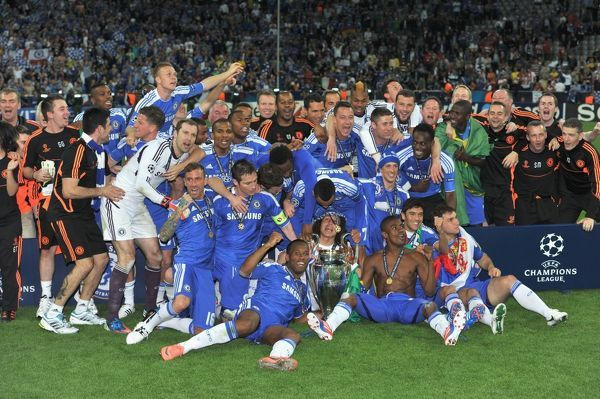 MUNICH, GERMANY - MAY 19: Chelsea team group celebrate winning the UEFA Champions League Final between FC Bayern Muenchen and Chelsea at the Fussball Arena M?nchen on May 19, 2012 in Munich, Germany (Photo by Darren Walsh/Chelsea FC )