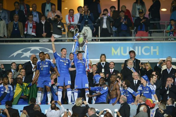 MUNICH, GERMANY - MAY 19: MUNICH, GERMANY - John Terry, Raul Meireles of Chelsea and the team celebrate winning the UEFA Champions League Final between FC Bayern Muenchen and Chelsea at the Fussball Arena München on May 19, 2012 in Munich, Germany
