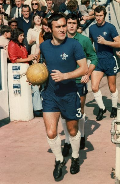 RON HARRIS LEADS OUT CHELSEA