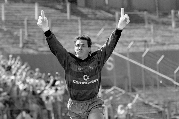 Chelsea goalkeeper Kevin Hitchcock celebrates after his team took the lead
