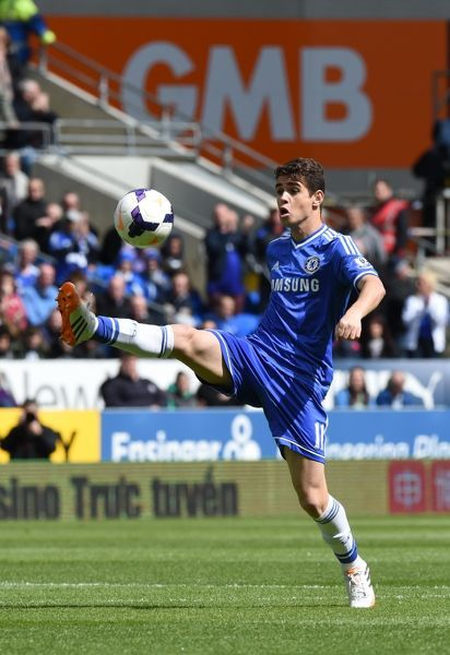 Chelsea's Oscar in action against Cardiff City