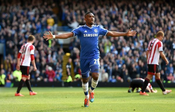 Chelsea's Samuel Eto'o celebrates scoring his side's first goal of the game
