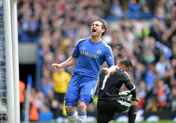 Chelsea's Frank Lampard celebrates scoring his team's second goal