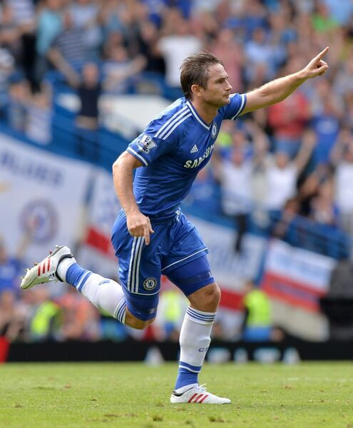 Chelsea's Frank Lampard celebrates scoring his side's second goal of the game