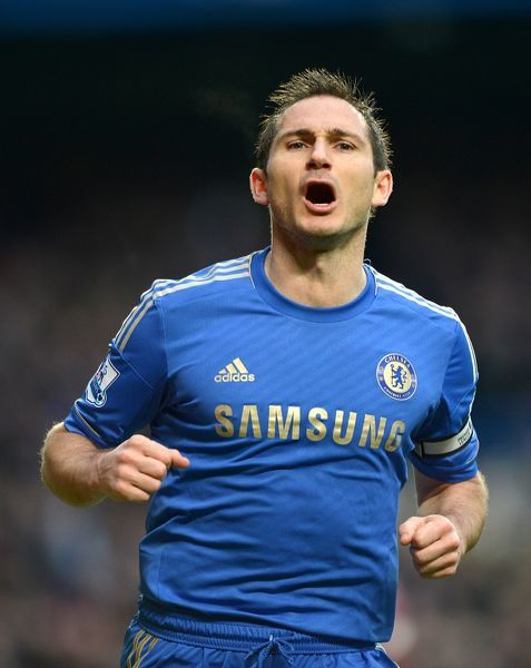 Chelsea's Frank Lampard celebrates after scoring his team's opening goal