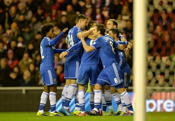Chelsea's Frank Lampard (centre right) celebrates scoring his side's first goal of the game with teammates