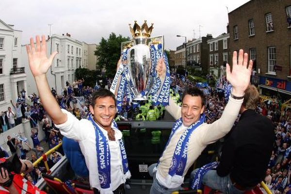 Chelsea's Frank Lampard and John Terry with the Premiership trophy