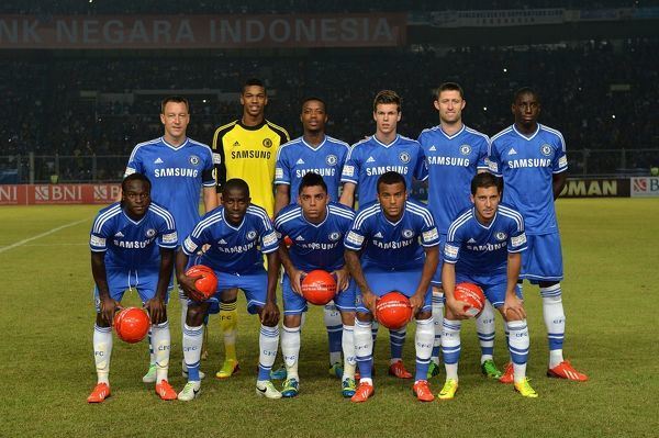 Chelsea team group (top row left to right) John Terry, Jamal Blackman, Nathaniel Chalobah, Marco van Ginkel, Gary Cahill, Demba Ba. (bottom row left to right) Victor Moses, Ramires, Islam Feruz, Ryan Bertrand and Eden Hazard