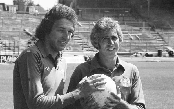 STAMFORD BRIDGE, LONDON, UK - AUGUST 1980. Portrait of Chelsea players Bob Iles (L) and Peter Bonetti (R). (Photo by Hugh Hastings/Chelsea FC )