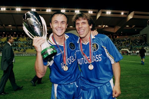 Chelsea's Dennis Wise and Zola celebrate