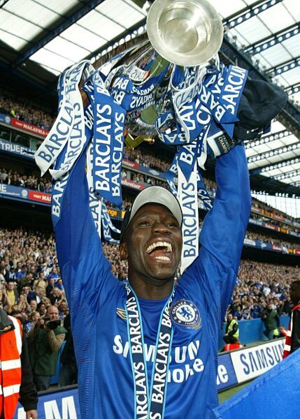Chelsea's Claude Makelele celebrates with the Premiership Trophy