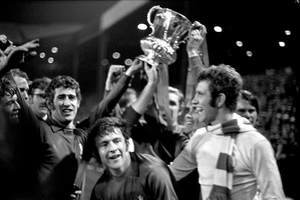 (L-R) Chelsea's Eddie McCreadie, Peter Bonetti, John Hollins, Marvin Hinton, Ron Harris, Peter Osgood and David Webb celebrate with the FA Cup
