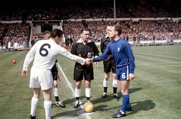 The two captains, Tottenham Hotspur's Dave Mackay (l) and Chelsea's Ron Harris (r), shake hands before the match