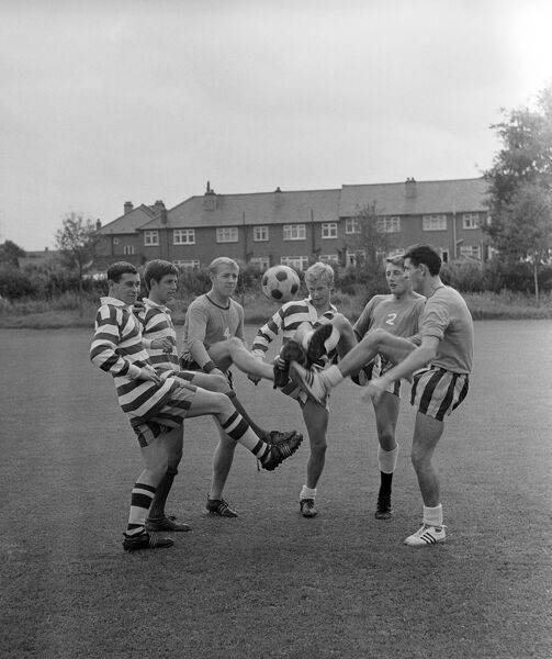 (l-r) Chelsea's P Purcell, Roger Wosahlo, K Silleto, Barry Lloyd, J Barrow and Peter Bonetti at kicking practice