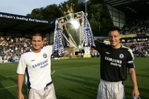 Frank Lampard and John Terry parade the Premiership trophy