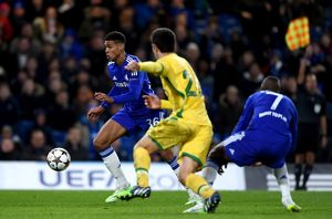 Soccer - UEFA Champions League - Group G - Chelsea v Sporting Lisbon - Stamford Bridge