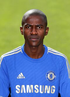 players/squad 2012 2013 season ramires/soccer chelsea squad photocall season 2013 14