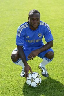 players/squad 2012 2013 season victor moses/soccer chelsea team photocall cobham training