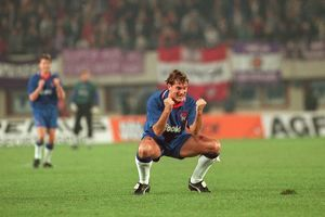 historic images/1990s/soccer european cup winners cup second round